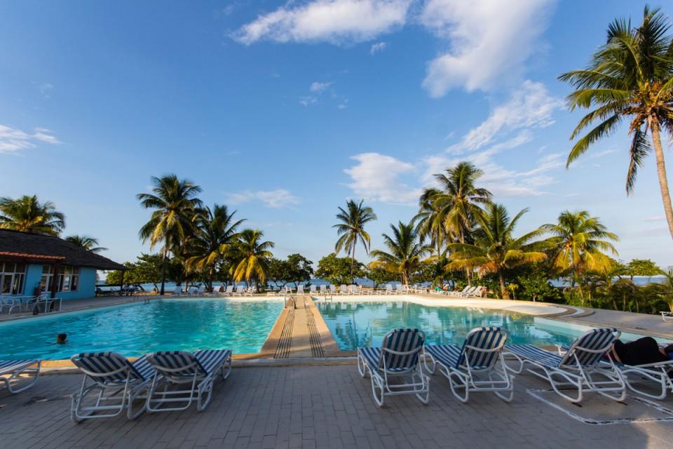hotelpool-villa-tropico-jibacoa