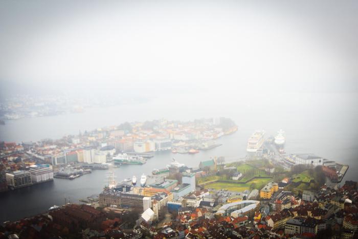 Bergen im Nebel vom Fløien