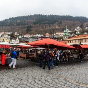 Fischmarkt in Bergen. Sehr touristisch