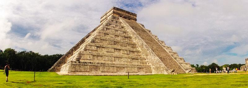 Mexiko Rundreise: El Castillo Chichen Itze Mexiko