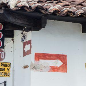 Straßenschilder in Mexiko