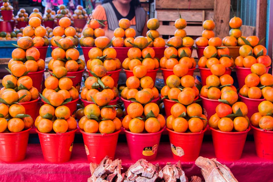 Schön aufgereiht: Orangen auf dem Markt von San Cristobal de las Casas