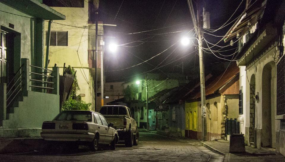 Abfahrt um 4 Uhr morgens: Flores nach Tikal