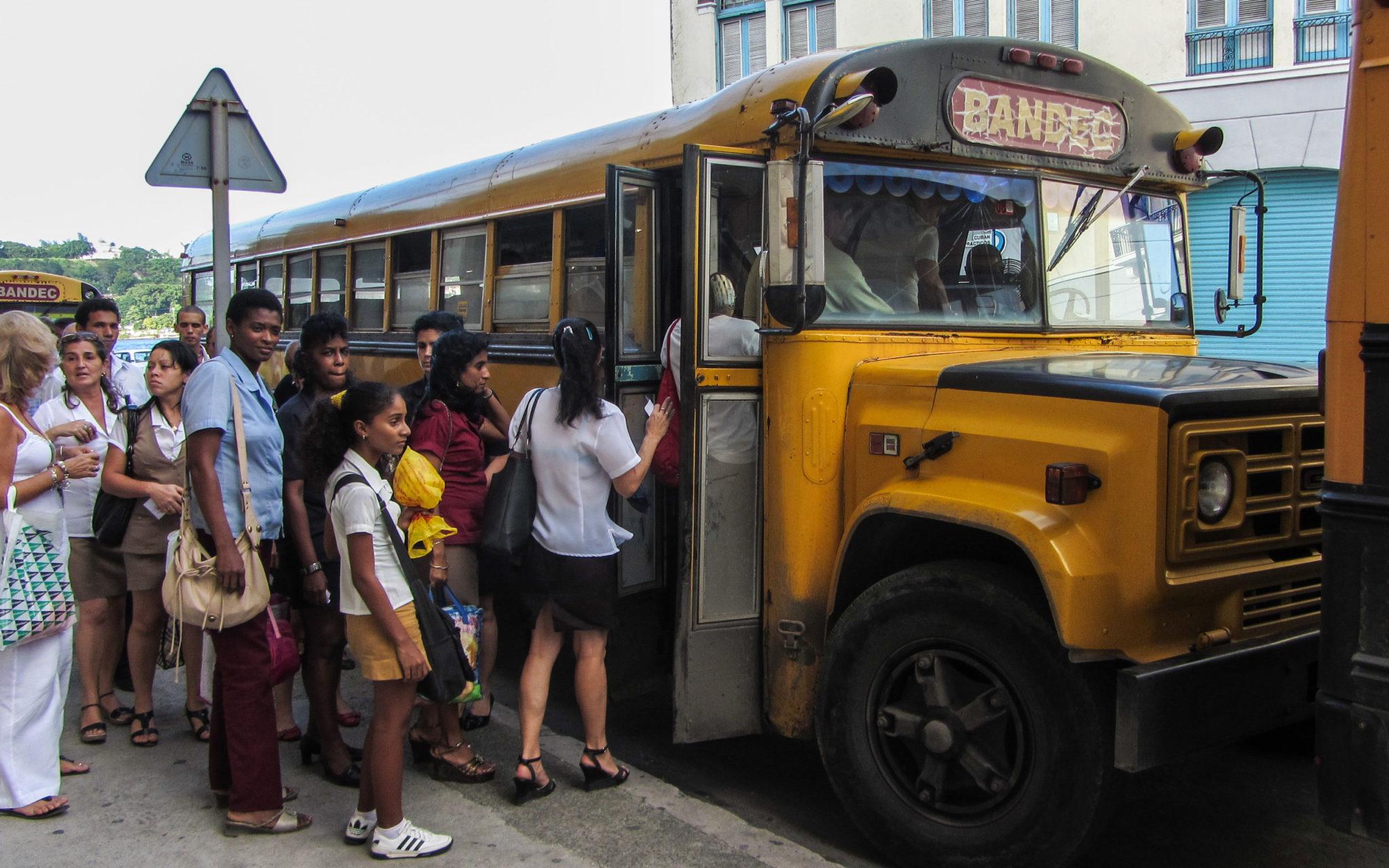 Bus fahren Kuba