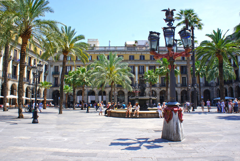 Barcelona Sehenswürdigkeiten: Placa Reial Barcelona