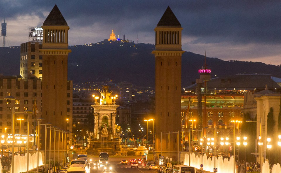 barcelona-panorama-montjuic-tibidabo