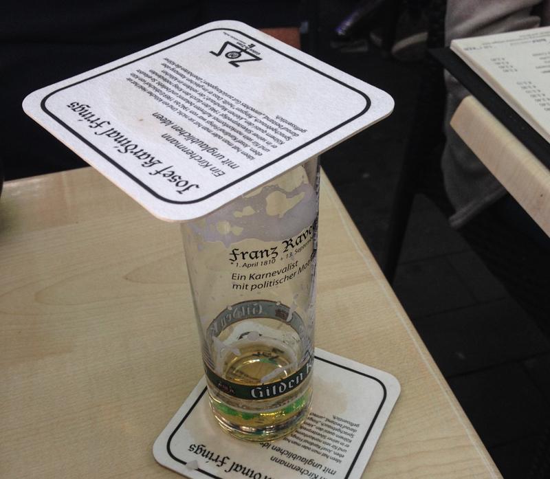Köln Insider TIpp: Deckel auf Kölschglas