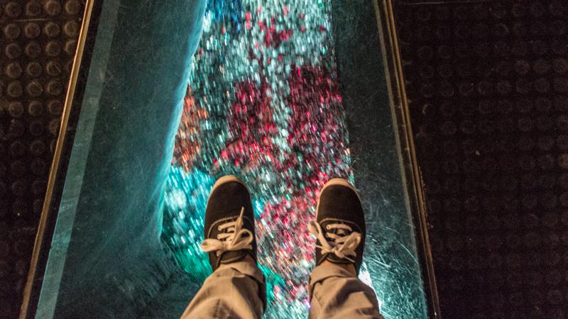 swarowskis kristallwelten wattens fluss aus kristallen