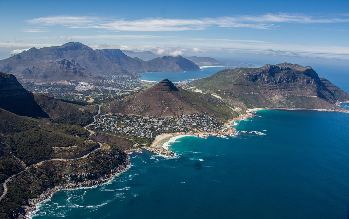 cape town helicopter with Kapstadt Top Sehenswuerdigkeiten on 135 Tafelberg in addition Vaal Dam Yacht Capsizes And Jet Ski Crashes Into Wall moreover Gisele Tom Brady House n 1219317 also  in addition Fynbos Plants Cape Floral Kingdom.