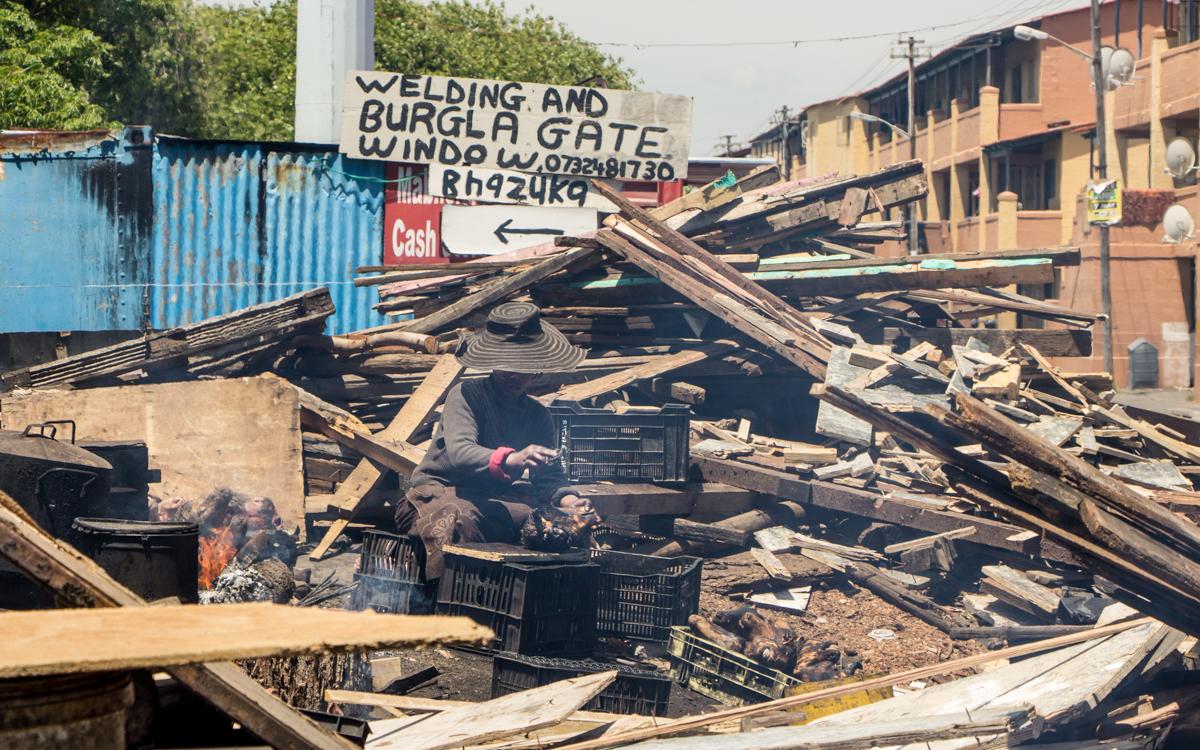 Kapstadt Sehenswürdigkeiten Langa Township Kapstadt Schafsköpfe gekocht