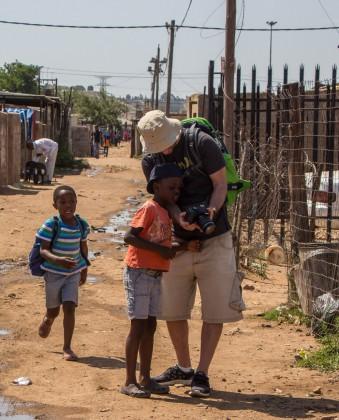 Neugierige Kinder Impressionen der Soweto Township Bike Tour