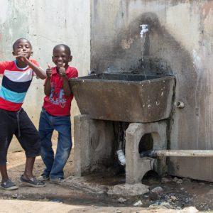 Lachende Kinder in Soweto