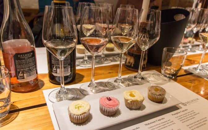 Südafrika Delheim Weinprobe Cupcakes