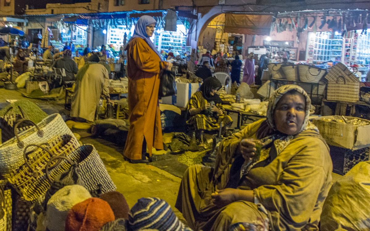 Djemaa el-Fna, das Herz von Marrakesch und Nordafrikas bekanntester Platz 6