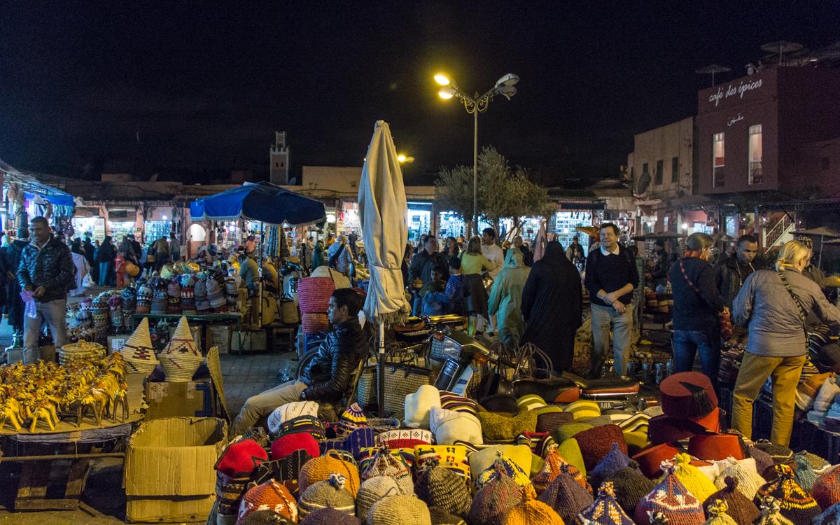 Djemaa el-Fna, das Herz von Marrakesch und Nordafrikas bekanntester Platz 7