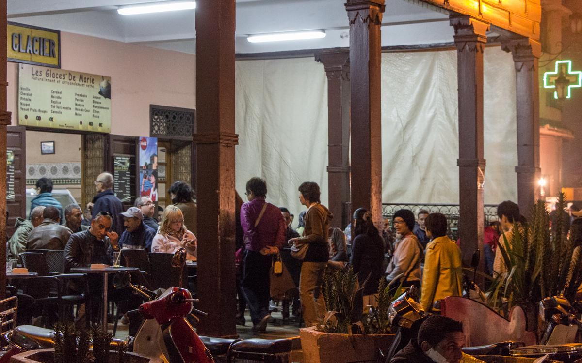 Djemaa el-Fna, das Herz von Marrakesch und Nordafrikas bekanntester Platz 8