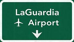 Flughafen New York La Guadria Airport Schild