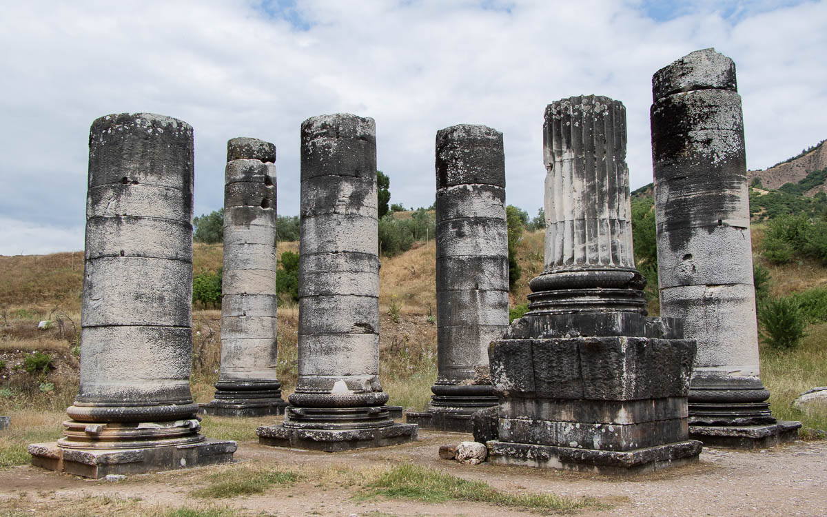 sardes-ruinen-saeulenreste