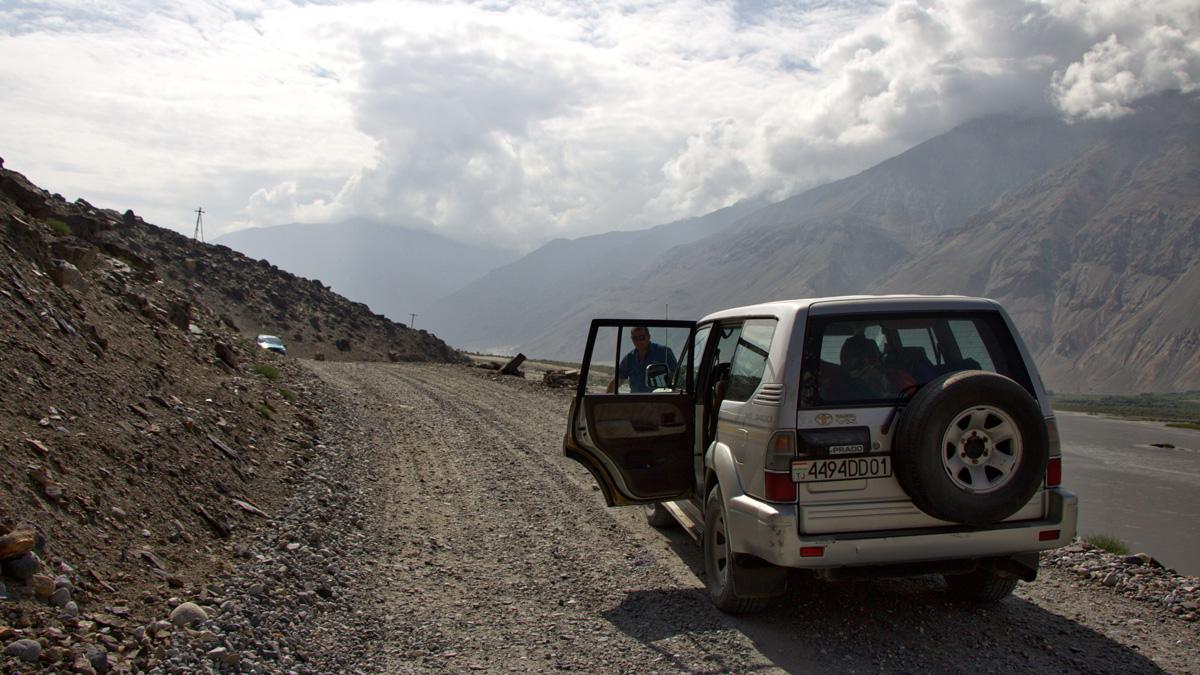 Pamir-Highway unterwegs mit Auto