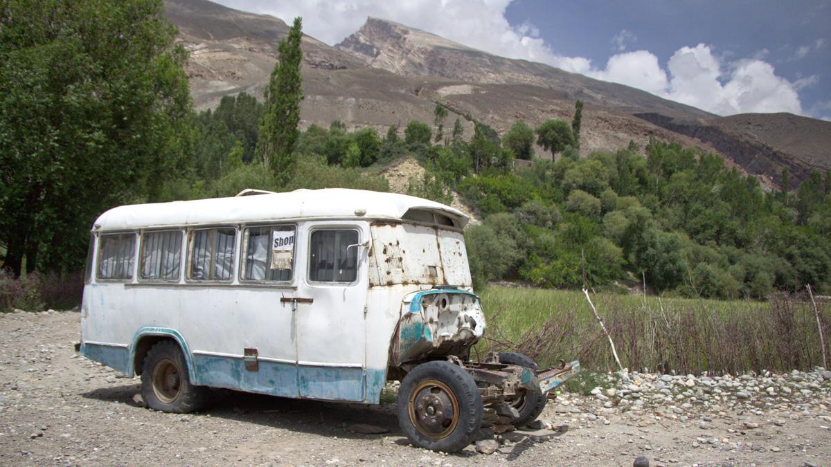 langar-tadschikistan-auto