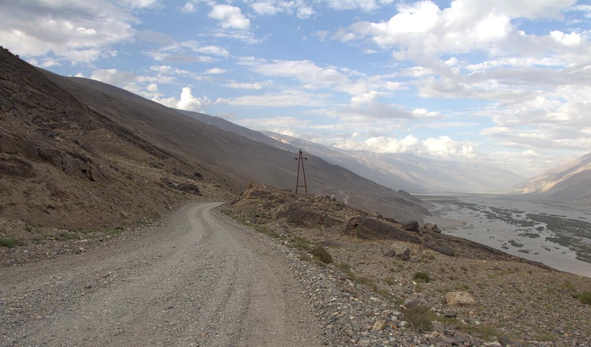 Wakhan Korridor links Tadschikistan und rechts Afghanistan