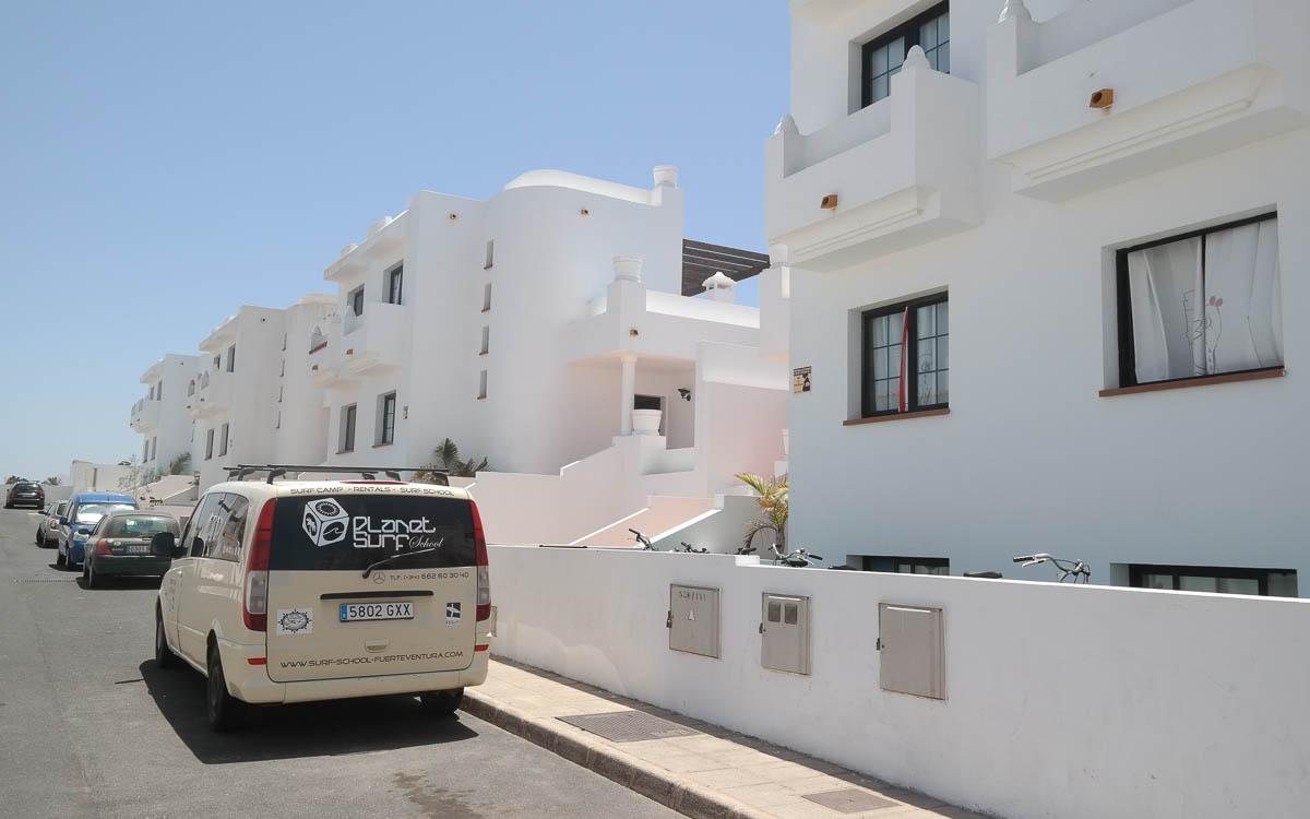 Surfen Fuerteventura Tipps: Das Surf House in Corralejo