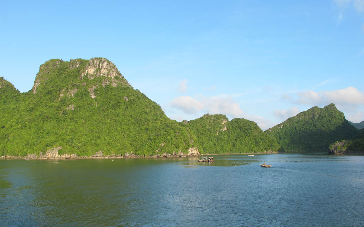 Backpacking Vietnam Halong Buch Sehenswürdigkeit