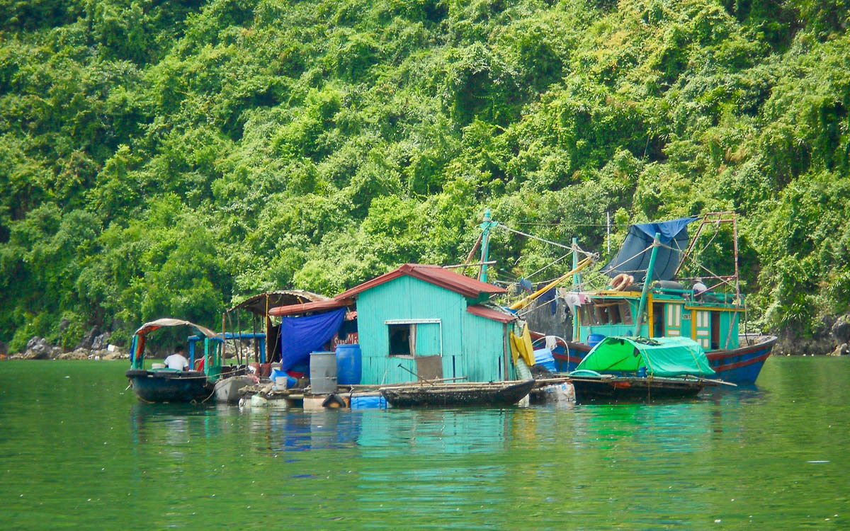 Backpacking Vietnam Halong Bucht