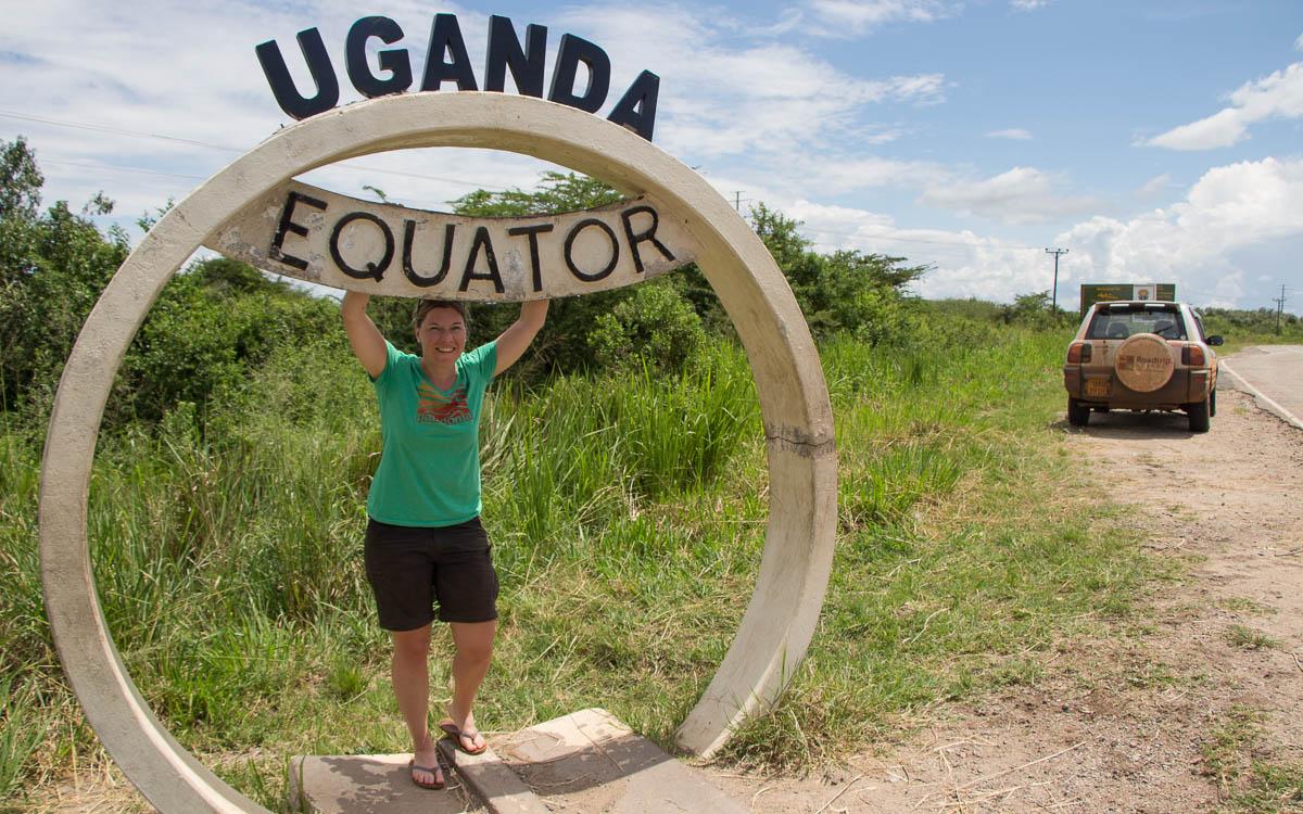 Äquatordenkmal auf Weg zum Queen Elizabeth Nationalpark