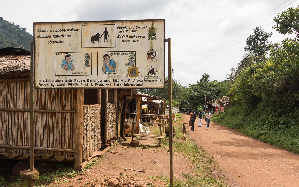 bwindi-nationalpark-buhoma-hinweisschild-gorillas