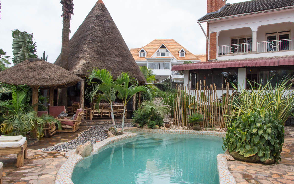entebbe-2-friends-beach-hotel-pool