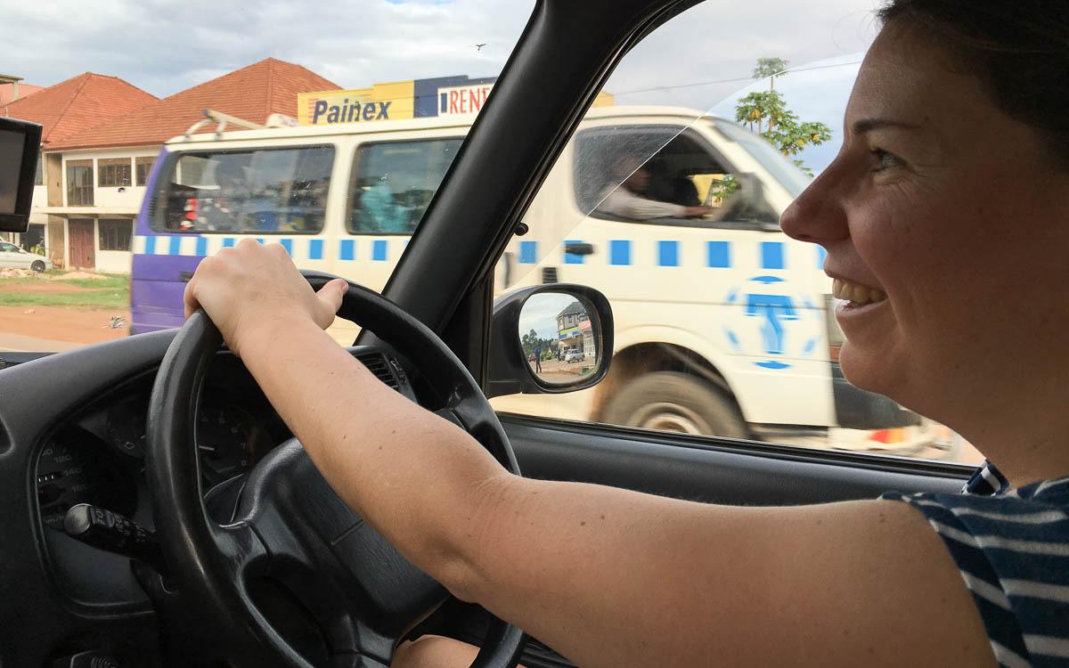 Entebbe Kampala selber Auto fahren