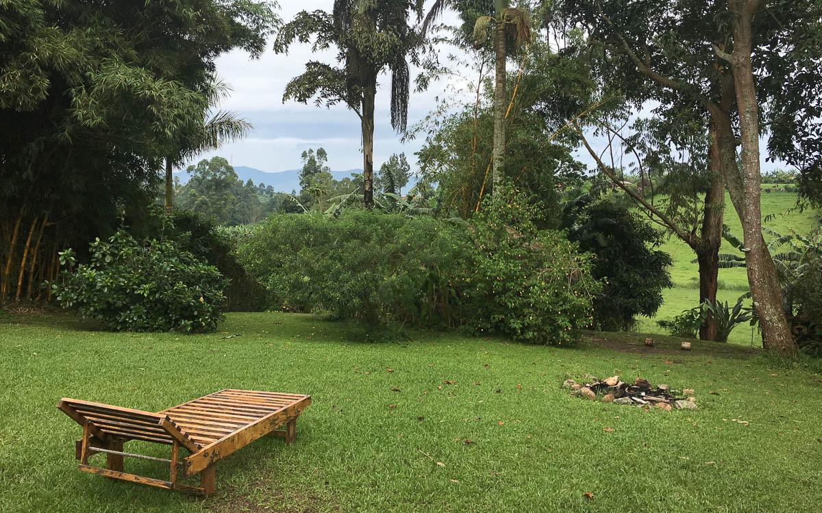 fort-portal-rwenzori-view-guesthouse-garten