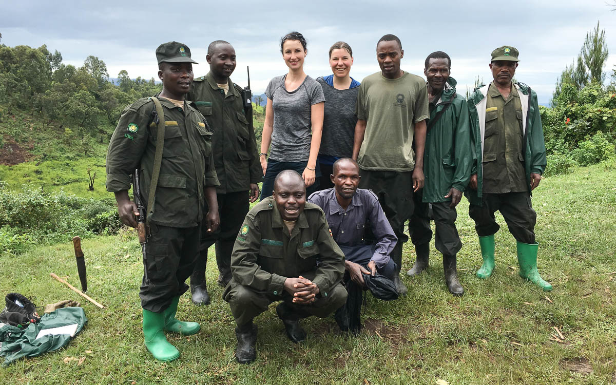 ranger-tracker-gorilla-trekking-uganda-bwindi-nationalpark