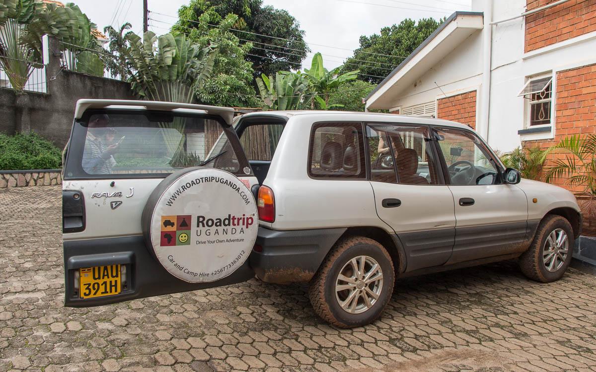 roadtrip uganda mietwagen