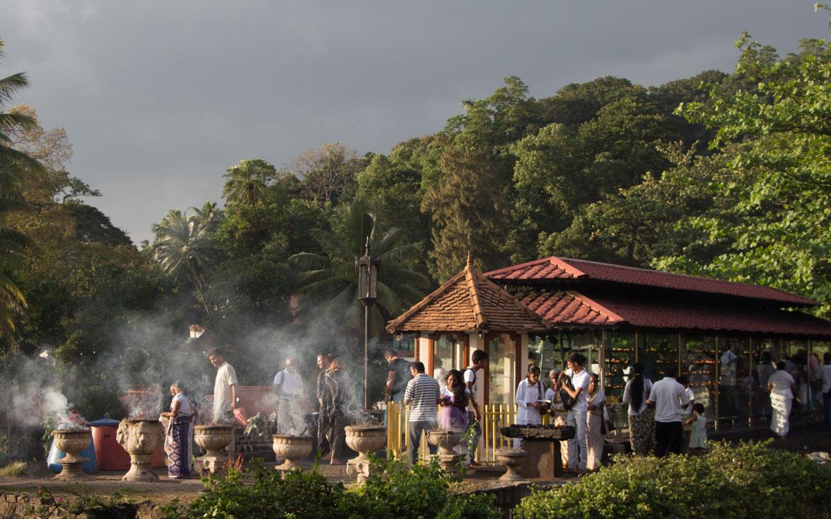 Sri Lanka Sehenswürdigkeiten: Der Zahntempel in Kandy ist ein Highlight