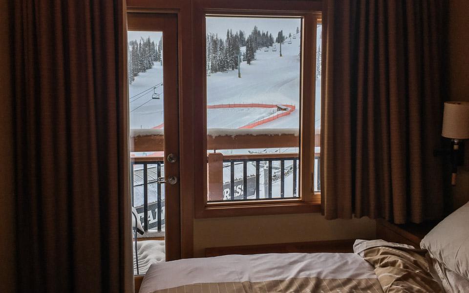 Sunshine Village Lodge Zimmer mit Blick auf Skipiste