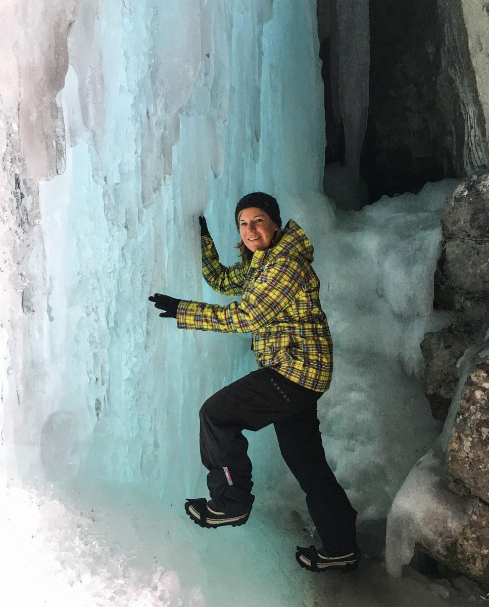 Katrin im Maligne Canyon Icewalk (Kanada Rocky Mountains)