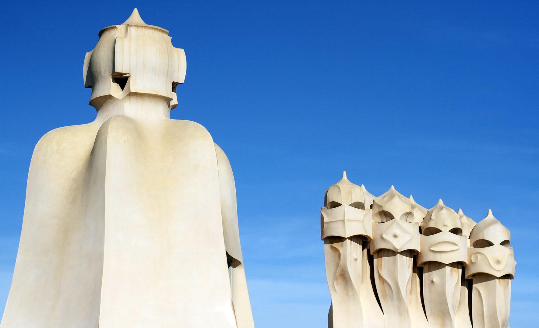 La Pedrera Skulpturen auf Dach Barcelona