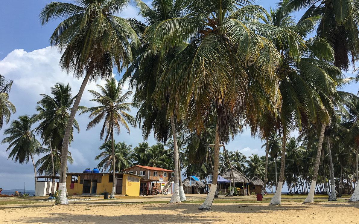 isla-aguja-klos-gebaeude