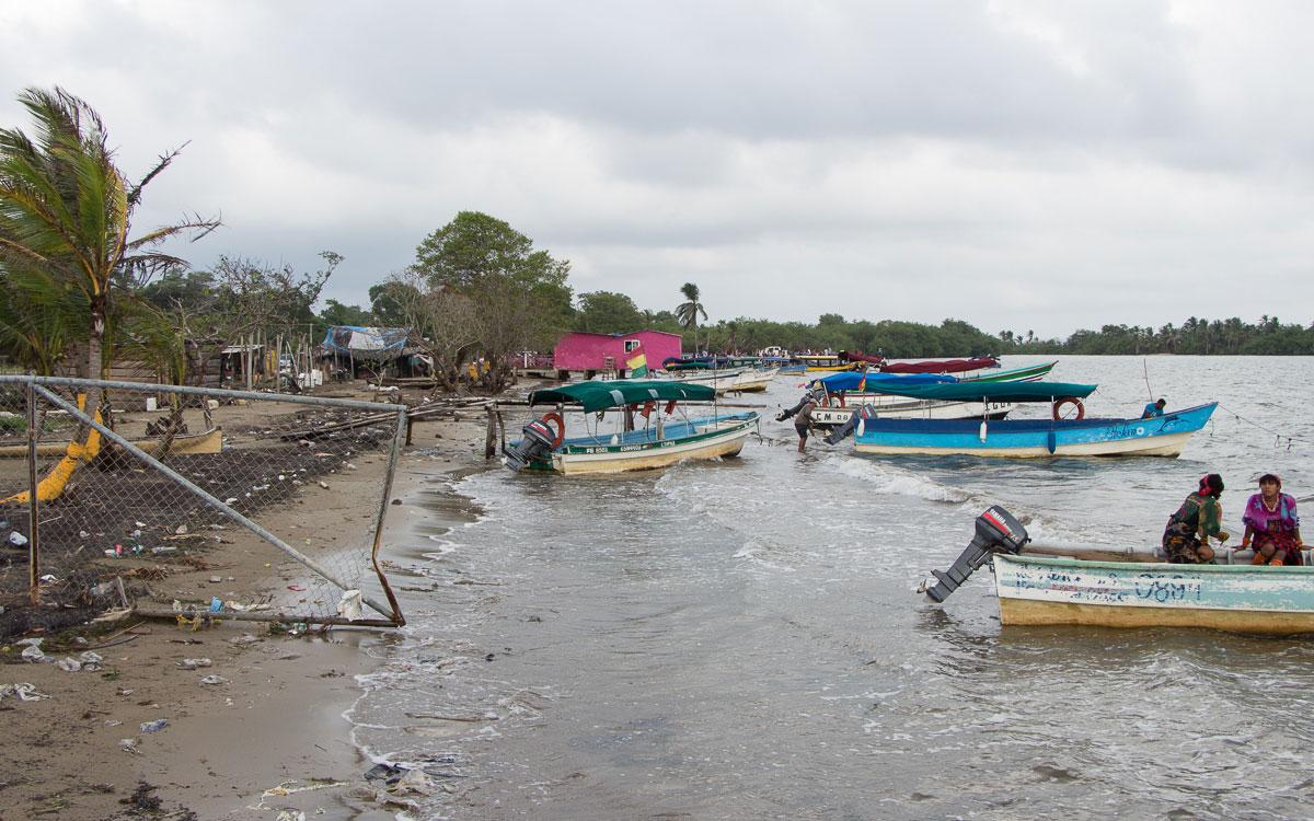 San Blas Kuna Yala Müll Hafen Strand