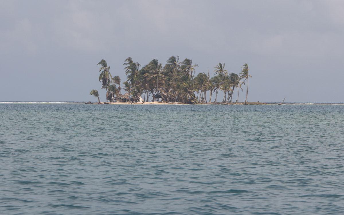 Fast 300 Kuna Yala Inseln in San Blas (Panama)