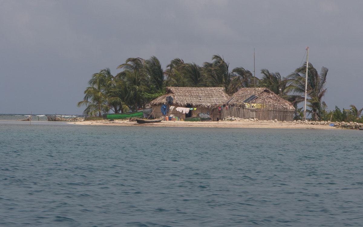 Eine der Kuna Yala Inseln in San Blas (Panama)