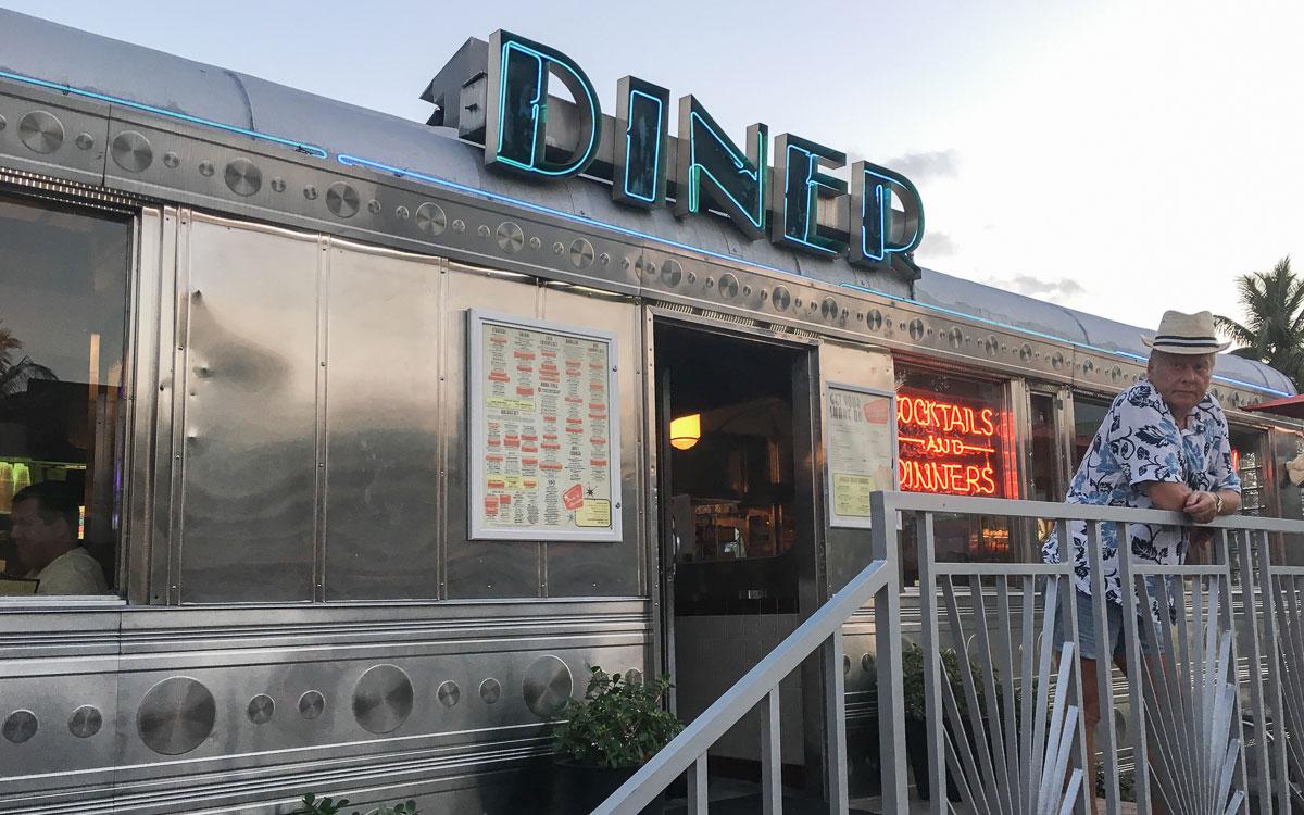 Miami Beach Sehenswürdigkeiten Diner im Art Deco District