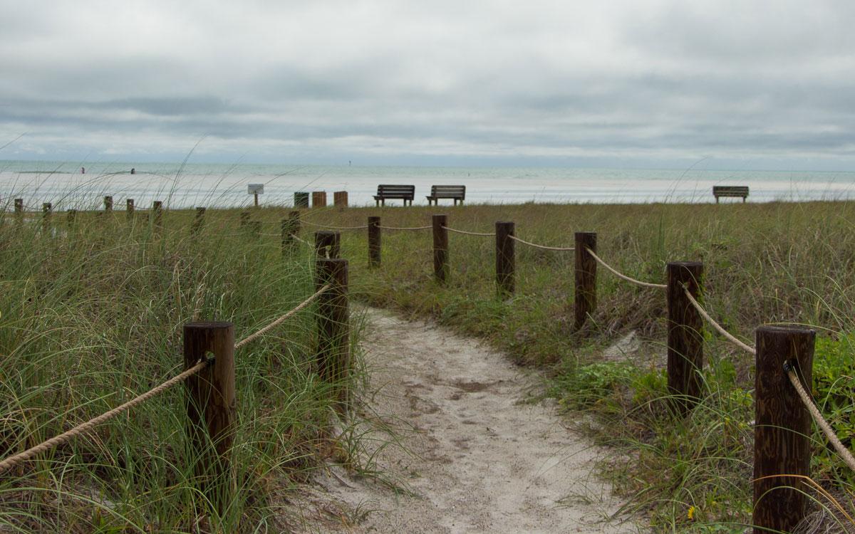 Sarasota Sehenswürdigkeiten Siesta Keys der Weg zum Strand