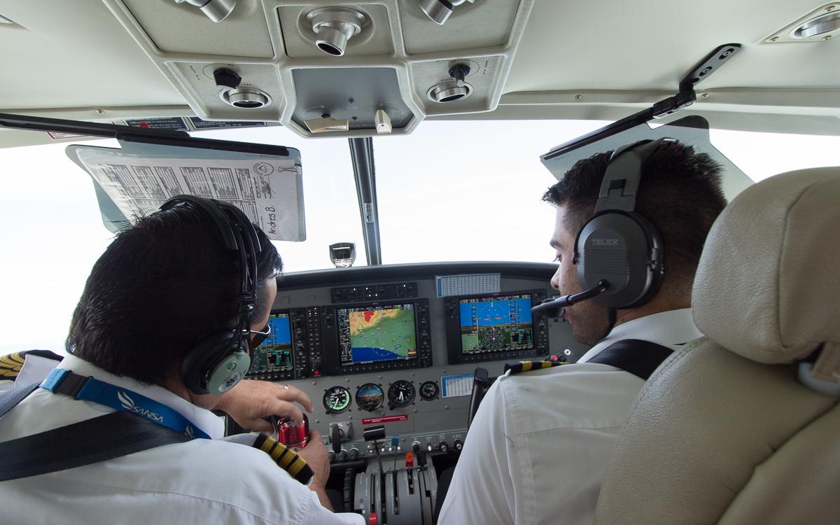 Tortuguero Nationalpark Anreise Flugzeug Blick ins Cockpit