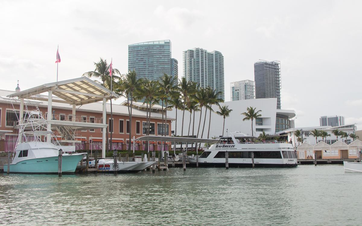 Miami Sehenswürdigkeiten Speedboad Tour Bayside Hafen