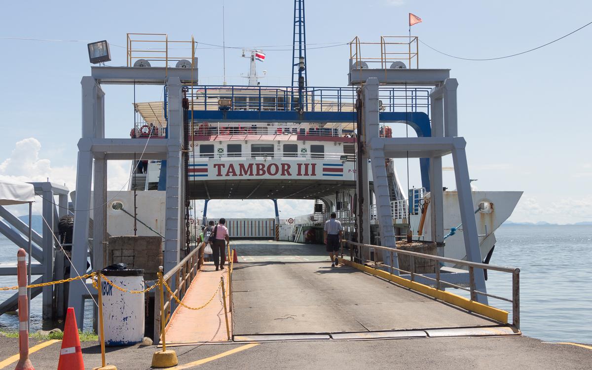 Auffahrt zur Fähre in Puntarenas