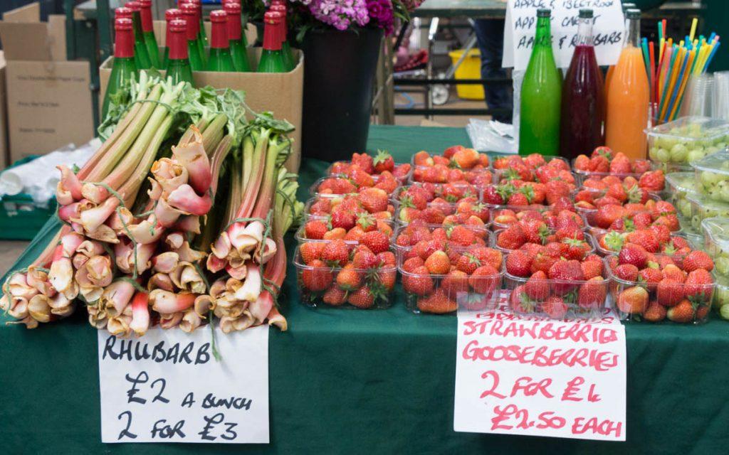St. Georges Market - Belfast Sehenswüridigkeiten frisches Obst
