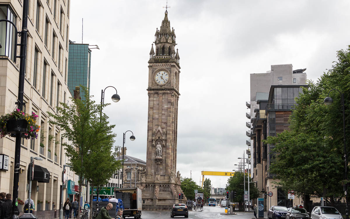 Belfast Sehenswuerdigkeiten Albert Memorial Clock Tower